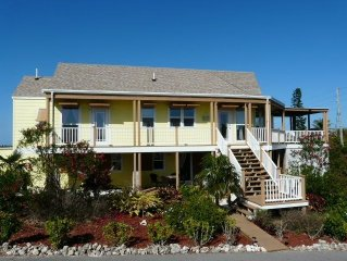 Banana Split -  4BR/4BA , as new, with Pool, close to town