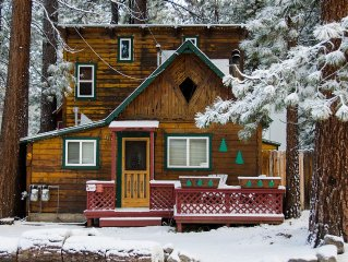 Classic Lake Tahoe Charm In A Perfect Location! Pet Friendly!