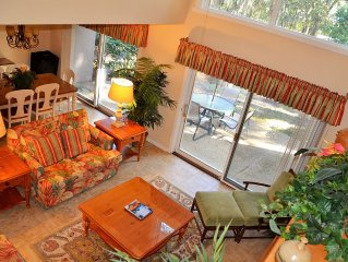 Charming Harbour Town Vacation Villa. Clean, Bright, Spacious & Updated.