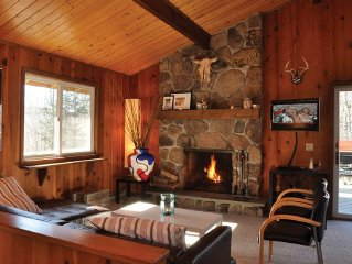 Ultra Clean, Modern chalet close to Ski Windham: Book Now!