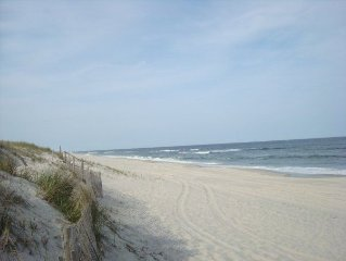 Tranquil, Charming Beach Haven Rental- AVOID the TRAFFIC FRIDAY-FRIDAY Rental!!!