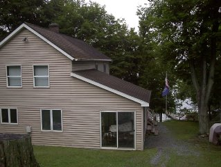Owasco Lake House No Pets & family friendly