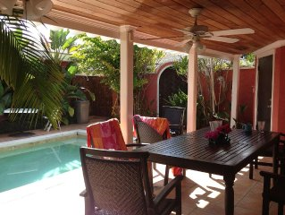 Elegant 2 BR/2 BA Villa W/Private Pool Very Near to Beach and Atlantis Hotel