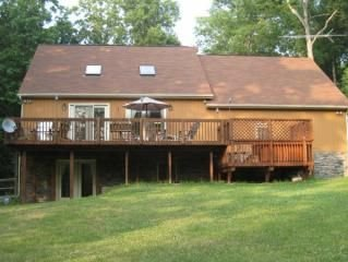 4-bedroom lakeside property at Lake Anna