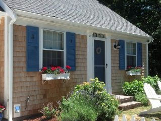 Charming 2-bedroom cottage in historic Yarmouth Port, quiet,near beach