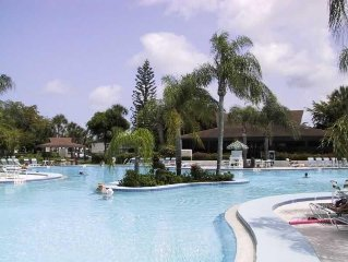 3 miles to the Beach, Beautiful Pool, Immaculately Clean! Book now!
