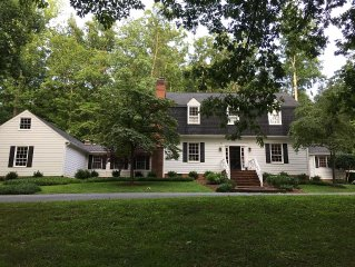 Beautiful House, Great Location - Near UVA, Farmington, & Boar's Head