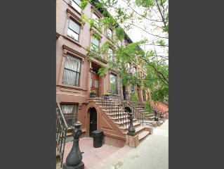 Trendy 1 Bedroom Harlem Brownstone Apartment