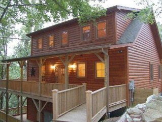 Grandfather & Lake Views, Luxury Cabin! 4BR, Loft, Hot Tub, Pool Table, Pets, AC