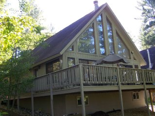 Little Bear Hideaway Lakefront w/OUTDOOR HOT TUB! Kayaks/Canoe/Paddleboat/Relax!