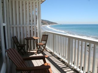 Charming Oceanfront Get-Away on Dry Sandy Carbon Beach - Stingray