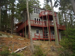 Beautiful and quiet Cottage with 230' Frontage on Gun Point Cove