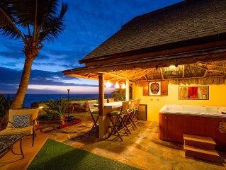 ★ Sandy Beachfront Home ★ Tiki Bar/Hot Tub/AC/Kayaks + Free WiFi/Laundry/Parking