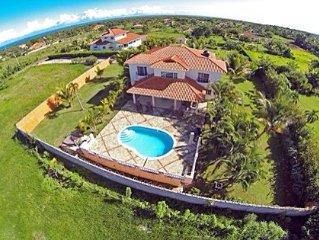 Prestine Luxury Villa Close To All