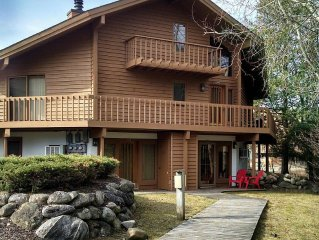 Cute emaculately Clean condo on the Schuss course walk to slopes WIFI! Must see!