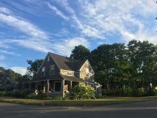 Large sunny house on Nashawena Park in Oak Bluffs, short walk to beach and town