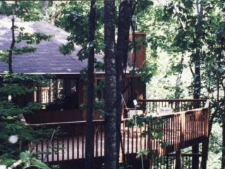 Rocky Falls Retreat (Water Falls, Hiking, Outdoor Scenery)