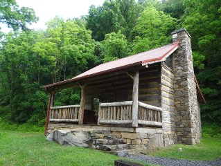Romantic and Cozy Cabin, Great for Honeymoons & Anniversaries