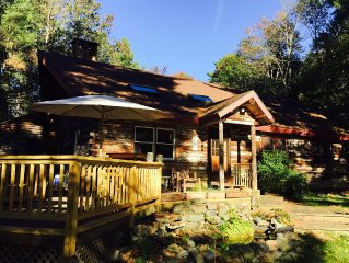 4 Bedroom Log Home On 6 Private Acres, Near Town And Ski Resorts
