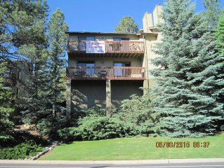 2BR 2BA Country Club Amenities and Great Location to Restaurants, hiking, NAU