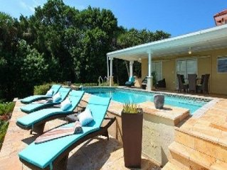 Beautiful Bay Front Villa with Private Pool, Dock & Wi-Fi!