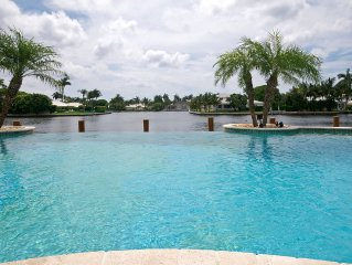 Gorgeous Direct Intercoastal Views! Infinity Pool! CALL FOR XMAS SPECIAL