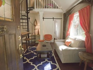 Intown Carriage House