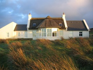 Thatched Roof, Elegant Cottage in Doolin, Spectacular Views, Tranquil