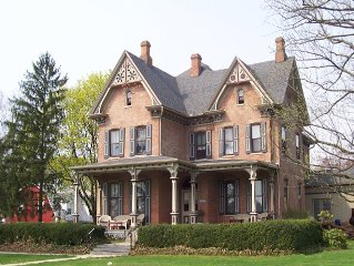 Victorian charm and modern amenities while visiting Amish country