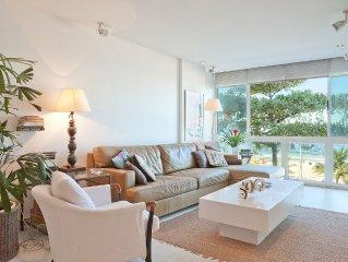 Beautiful apartment * * * * * * in Leblon