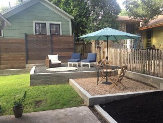 Walk to it All!! SOCO Perfect Location Bright and Cozy Cottage.