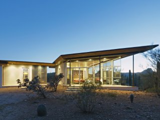 Desert Beauty, Close to City, Quiet and Private