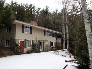 Birch Retreat - secluded mountain view home, air conditioning, jet tub, deck