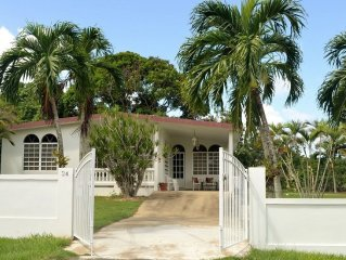 Whole House beautiful Neighborhood Las Brisas. Minutes to Beaches, Eateries, BQN