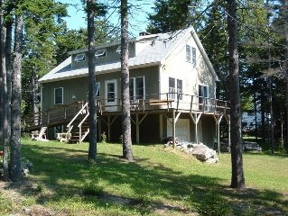 Private & Spacious Cottage with Shore Front Access and Internet