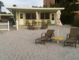 **Ground floor DIRECT BEACHFRONT cottage**Step out the door & into the SAND!!**