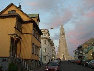 Felicia's Flat, Downtown Reykjavik, Great location near Hallgrimskirkja.