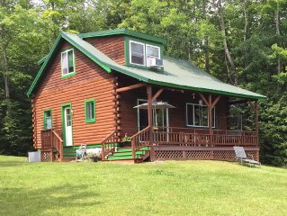 3BR, 2BA Log Cabin On Big Indian Lake