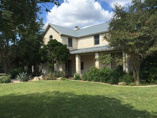 The Hill House - An Amazing, Relaxed Austin Retreat