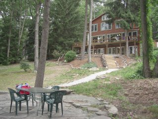 WINDWARD Lodge - LARGE LAKEFRONT  & Ski Slope View - sleeps 14+