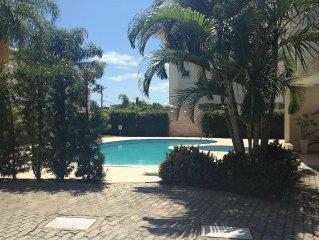 Cobertura linda, wi-fi e NETFLIX, cond. c/ piscina, terraço com jardim