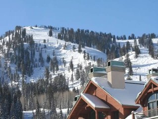 Solitude, amazing ski in ski out, 1bdrm + den, Eagle Springs E. #103