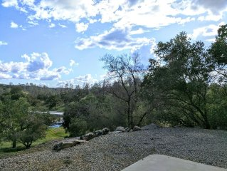 New Year Special!  Large 4 Bedroom Home Near Lakes, Casinos & Yosemite