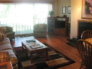 Trappers Condo - Summit Village 2 Bedroom/2 Bath on 10th Tee of Summit Course