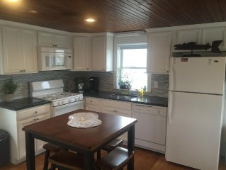 Cottage at Beach Point, Pet Friendly, 1/10 Walk To Private Beach!