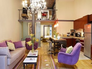Loft with private balcony in Recoleta's finest Mansion,  (WIFI & A/C)