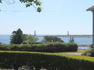 Cottage by the Sea at Rocky Shores - Ocean Views, Walk to Beach, Peace and Quiet