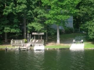 Rare Find, Lakefront Property with Boat Rental, Stingray 185 L/S
