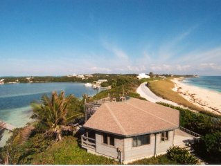 Seascape cottage, absolutely on the ocean with a dock on the Sea of Abaco