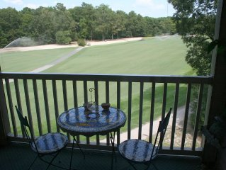 Cute as Button & Nicely Appointed 2BR/2BA on #1 Fairway at True Blue